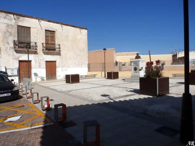 Plaza Vieja de Adra - Plaza del Maestro Ángel Ortiz de Villajos Cano