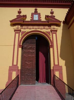 Iglesia de Santiago el Mayor portada