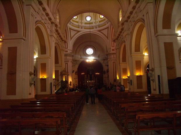 Iglesia Parroquial Santa María Magdalena. Templo mayor del municipio, consta de tres naves y crucero. El altar mayor está presidido por una talla de Santa María Magdalena, patrona del municipio.