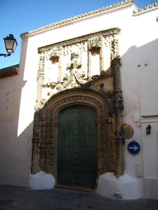 Convento de la Encarnación, junto al Callejón de las Monjas. En el siglo XV fué Capilla, Hospital y Cofradía.