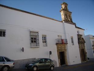 Hospital de San Juan de Dios. En el siglo XVI se creó como hospital de S. Sebastián unido a una ermita. En 1596 todos los hospitales de Arcos quedaban refundidos en él.