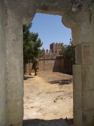 castillo-de-las-aguzaderas-vista-patio