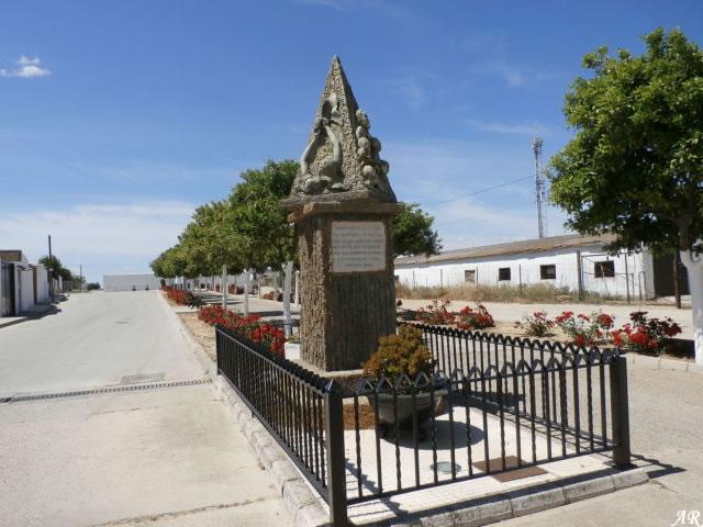 hinojos-monumento-a-la-paz