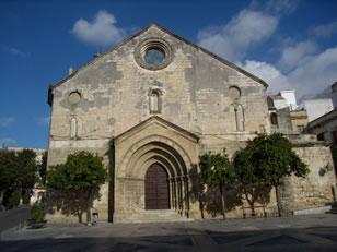 Iglesia de San Dionisio - Bien de Interés Cultural (BIC), esta iglesia fue declarada Monumento Histórico-Artístico Nacional en 1964. 7/11/2010