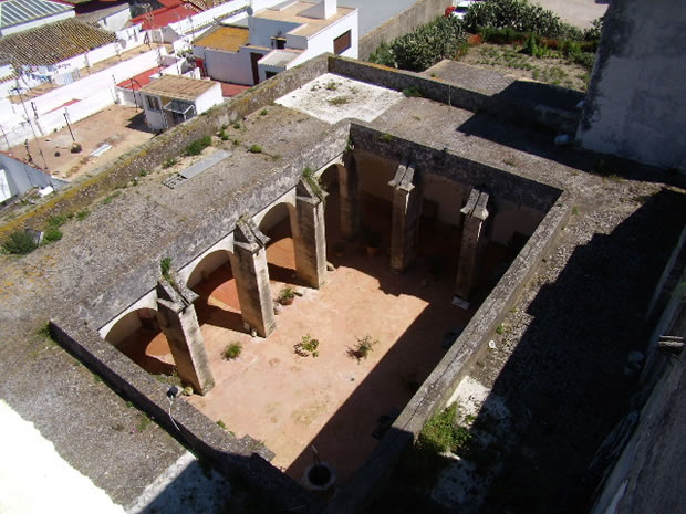medina-sidonia-iglesia-parroquial-matriz-de-santa-maria-la-mayor-la-coronada-claustro