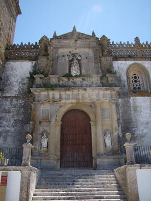 Iglesia Parroquial Matriz de Santa María La Mayor La Coronada portada principal
