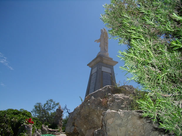 olvera-monumento-al-sagrado-corazon