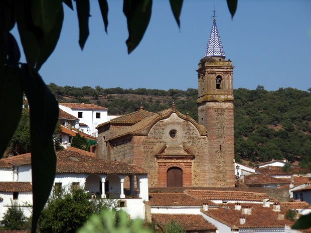 Iglesia del Divino Salvador de Valdelarco