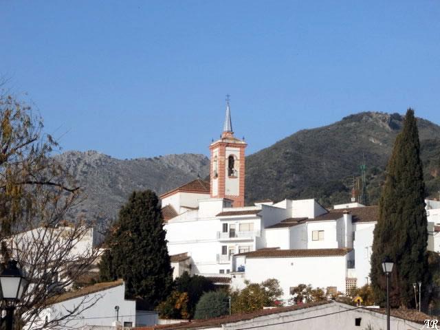 Panorámica del pueblo de Cortes de la Frontera con su Iglesia Parroquial - Turismo Cultural y de Monumentos