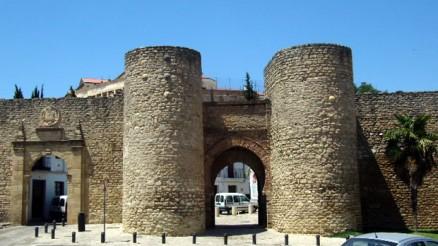 Puerta de Almocábar, Murallas de Almocábar en Ronda