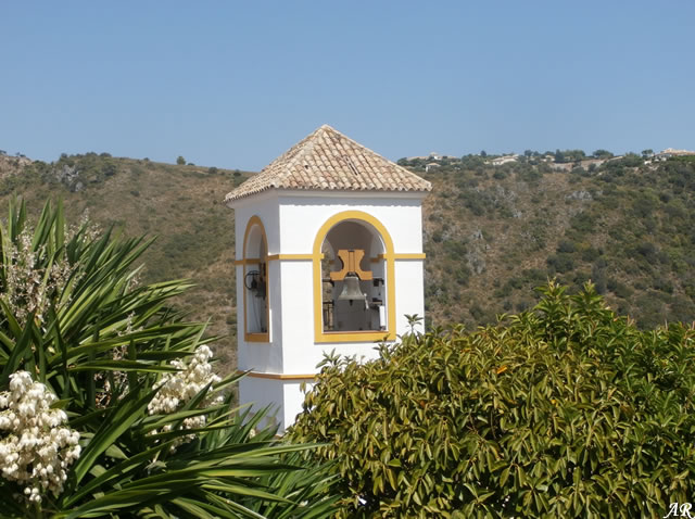 Benahavís, campanario de la Iglesia de la Virgen del Rosario