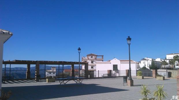 Plaza de las Palmeras, Canillas de Aceituno