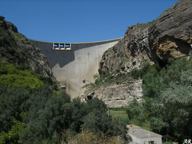 Presa de Béznar - Embalse de Béznar - Pantano de Béznar - Valle de Lecrín - Río Izbor