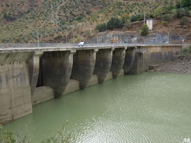 Tajo de la Encantada Dam - Villaverde Dam