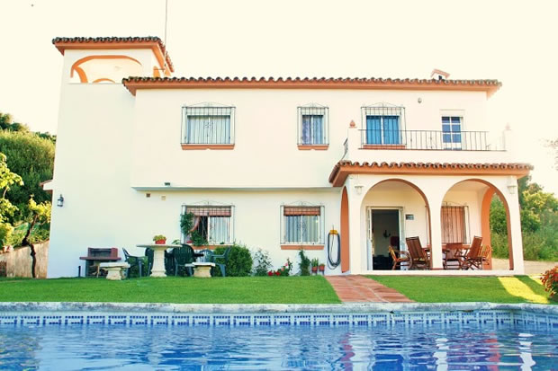 property villa for sale in Estepona