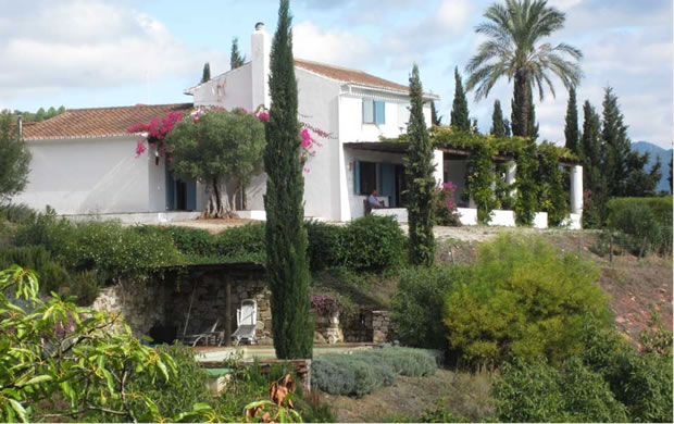 farm accommodation in Gaucin, luxury country house for holiday rentals in the Genal Valley - Andalusia