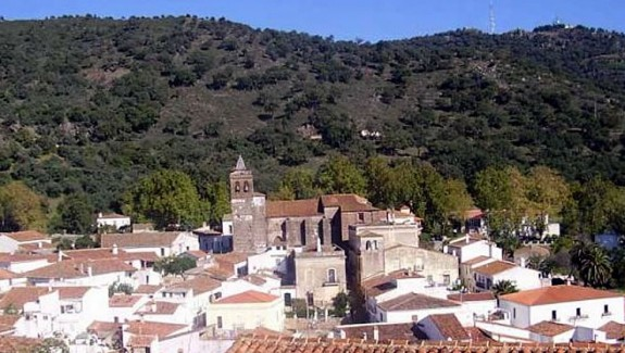 Town House for sale in Almonaster la Real