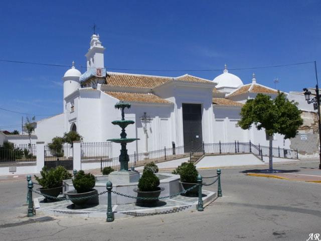 Ermita de Nuestra Señora del Valle de Hinojos - Monumento Religioso en Hinojos - Huelva