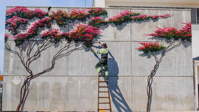 """Mural Artístico """"La Poda de la Buganvilla"""" Estepona"""