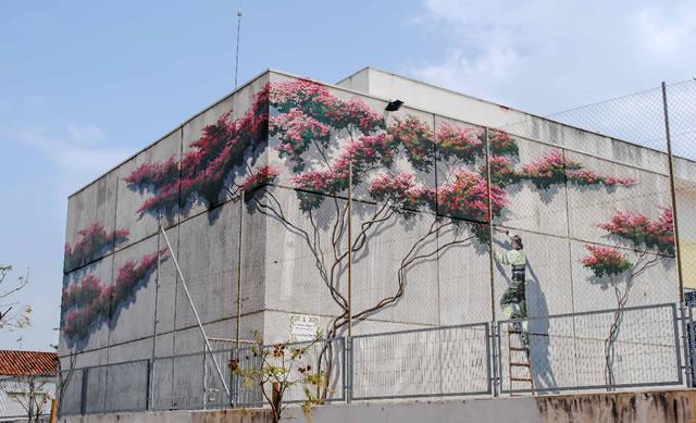Murales Artísticos de Estepona - La Poda de la Buganvilla