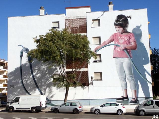 """Mural Artístico """"Regando el Jardín"""" Estepona"""