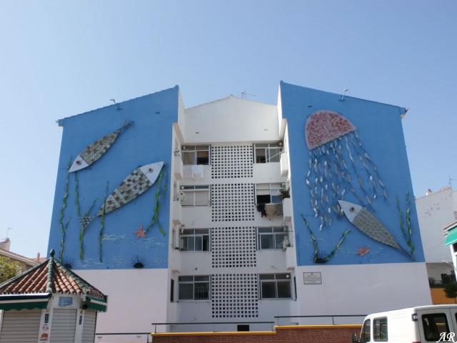"""Mural Escultórico en Bda. Blas Infante """"Azul y Plata"""""""