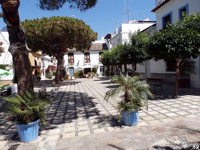 Plaza Begines Estepona