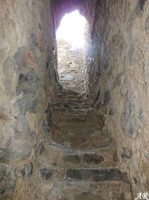 torre-de-benamarin-escaleras