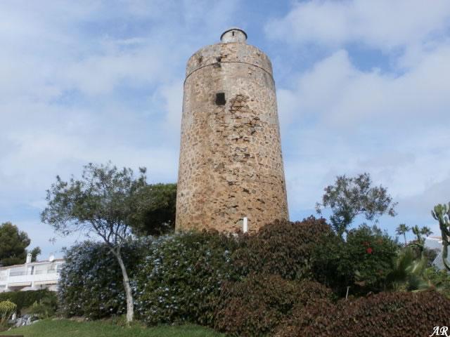 Torre Nueva, Torre de la Cala del Moral, Torre Penta-Pesetas o Torre Pesetas, Mijas