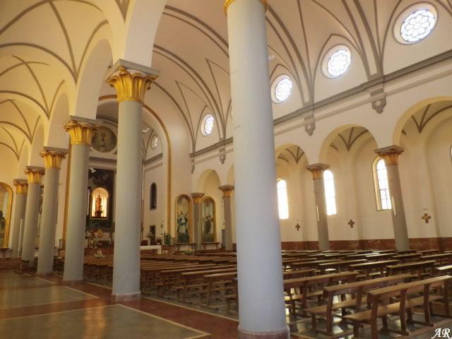 malaga-parroquia-de-san-jose-obrero-de-carranque-columnas