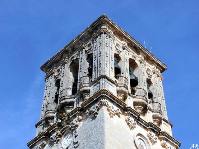 Basílica Menor de Santa María de la Asunción, Campanario