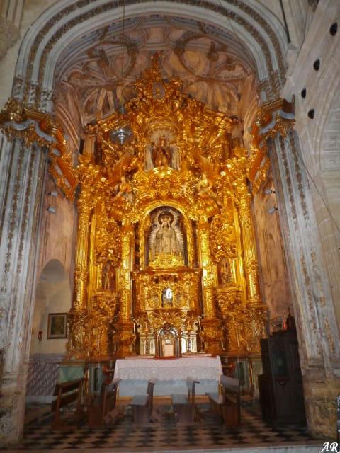 arcos-de-la-frontera-basilica-menor-de-santa-maria-de-la-asuncion-retablo
