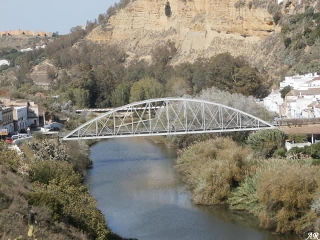 Puente de San Miguel o Puente de Hierro de Arcos de la Frontera