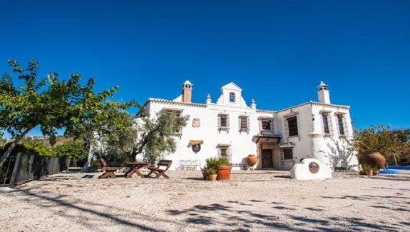venta de cortijo en Montefrío - Farmhouse for sale in Montefrio, Granada, Spain