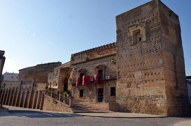 Castillo de Santaella - Muralla