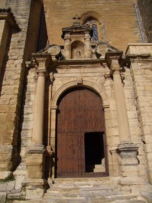 Portada de la Iglesia Mayor de Santa María de la Encarnación en Alhama de Granada