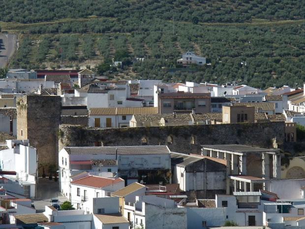 Castillo de do a menc a fortaleza en las sierras - Fotos de dona mencia ...