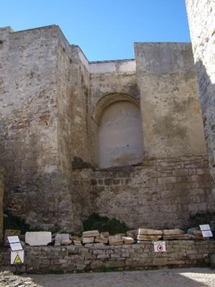 Muro a zoga y tizón - Alcazaba Califal de Guzmán El Bueno - Tarifa