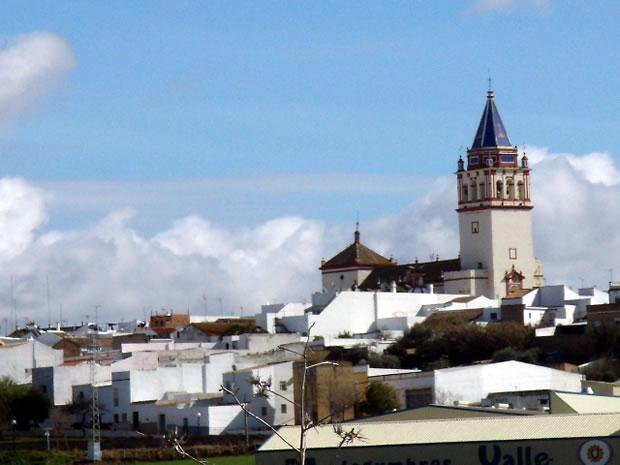 El coronil sevilla monumentos fuentes gastronom a y for Alquiler de casas en montellano sevilla