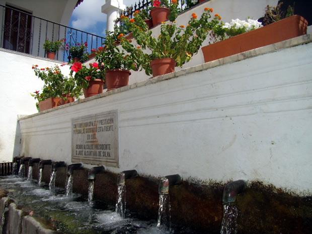 Fountain of the Twelve Pipes Fuenteheridos