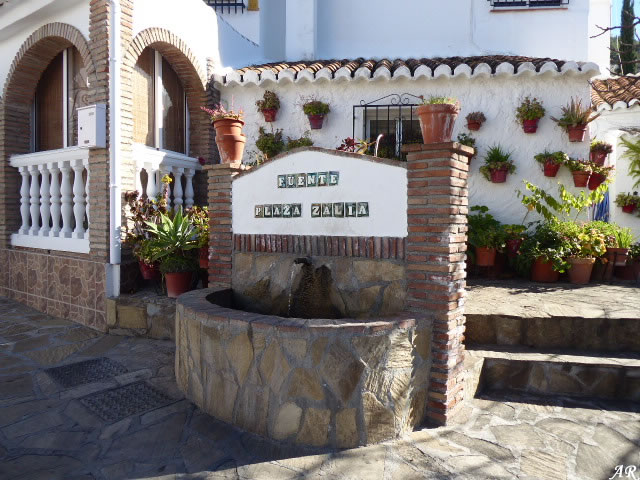 Plaza Zalía Fountain