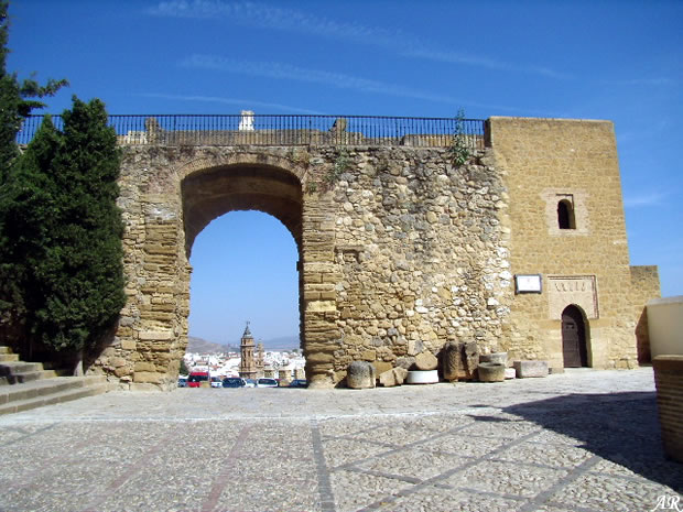 Arch of the Giants - Antequera