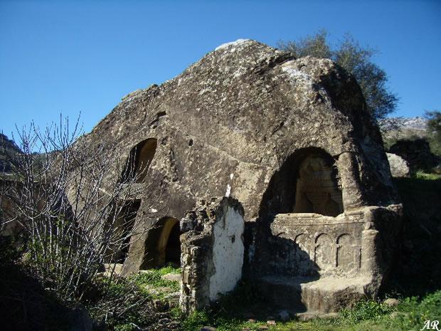 Casa de piedra de cortes de la frontera - La casa de las piedras ...