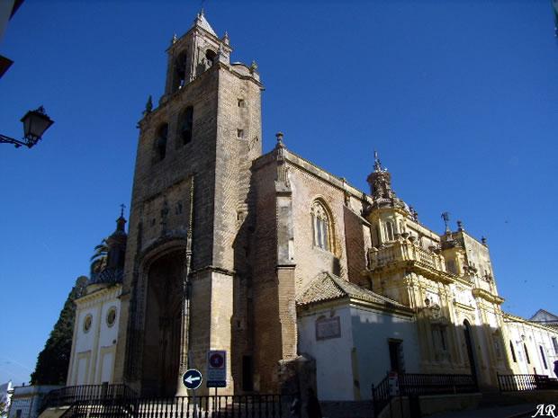 Parroquia de santiago monumento religioso en utrera for Alquiler de casas en utrera sevilla
