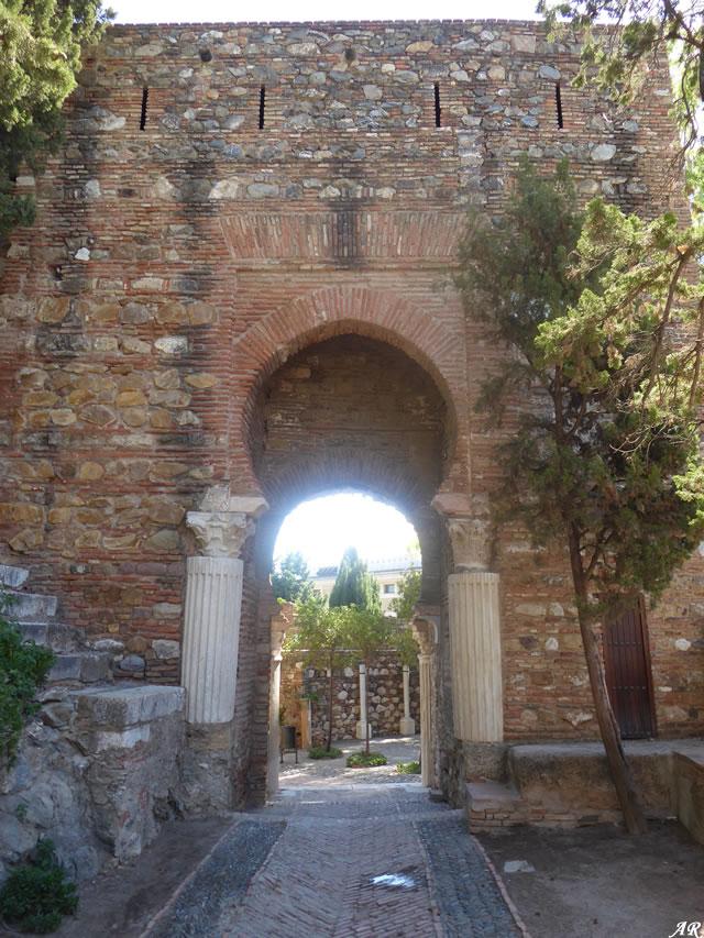 Puerta de las Columnas de la Alcazaba de Málaga