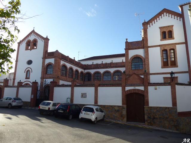 "Antiguo Palacio de Moctezuma / Residencia para Mayores ""Glorieta de San José"" Arriate"