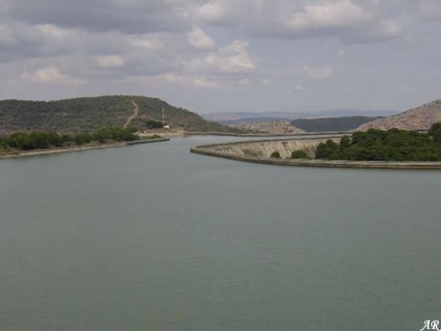 Embalse de Villaverde (Málaga) en el Salto de la Encantada, una de las centrales hidroeléctricas reversibles más grandes de España.