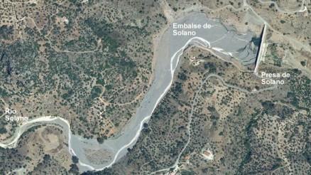 Presa del Embalse de Solano - Presa de Solano - Dam and Reservoir