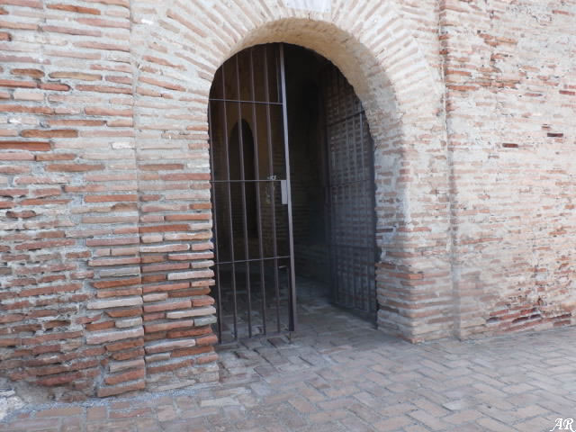 Torre de acceso a la Alcazaba