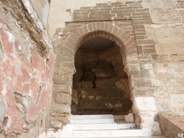Castillo de Álora - Torres del Castillo - Arco de Herradura